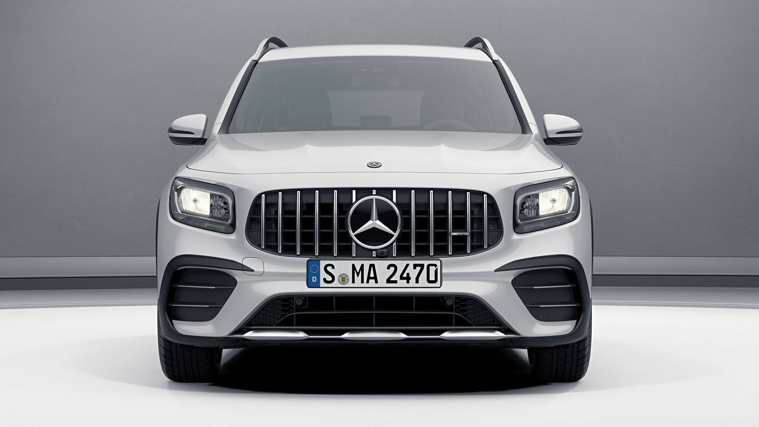 CAR-Avenue-Mercedes-AMG-GLB-SUV-02
