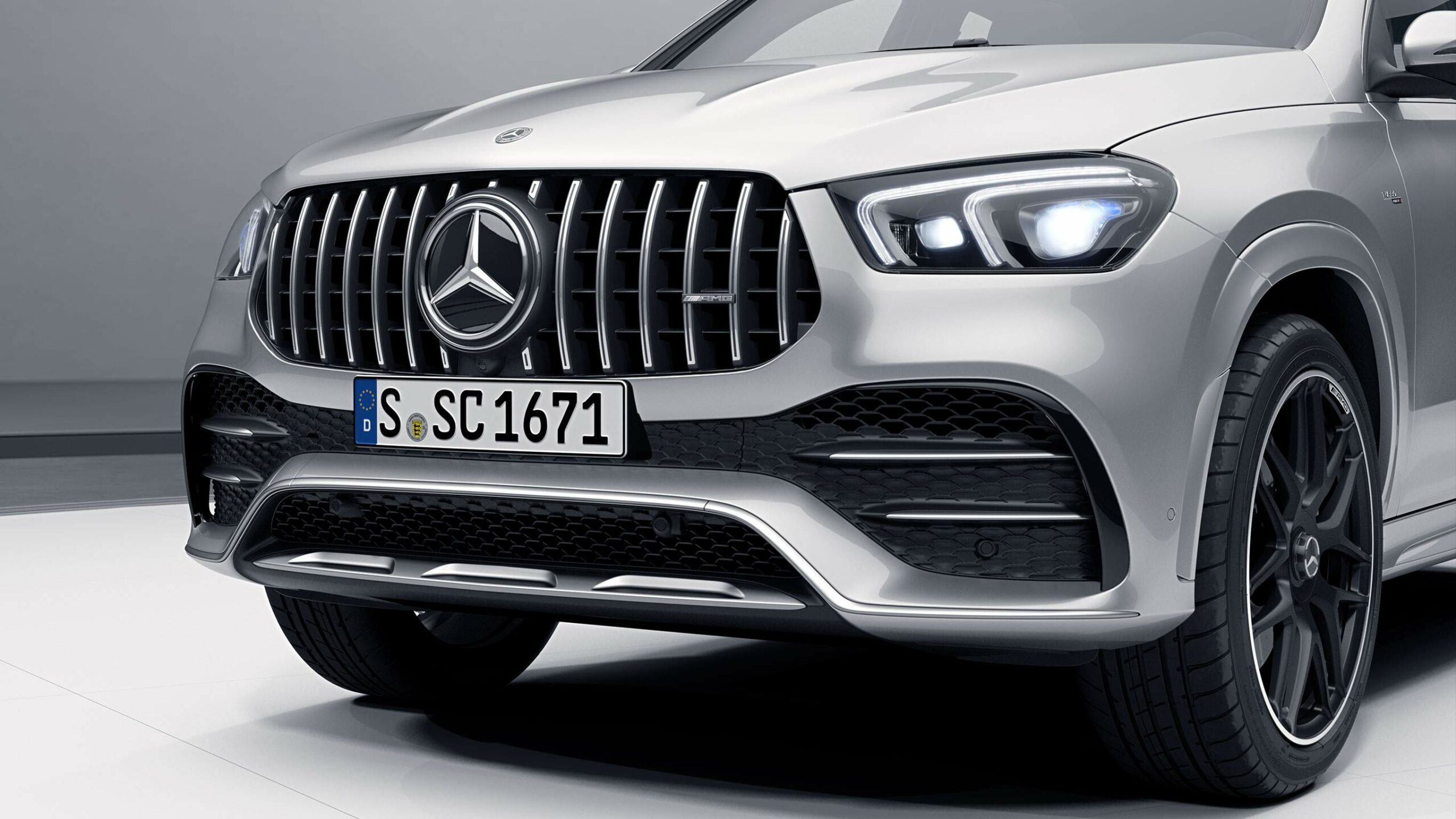 CAR-Avenue-Mercedes-AMG-GLE-Coupe-SUV-02