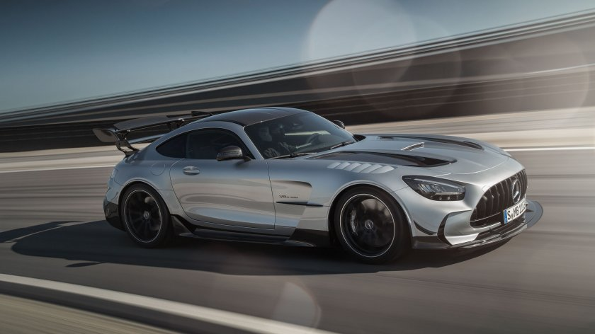 CAR-Avenue-Mercedes-AMG-GT-Coupe-Roadster-02