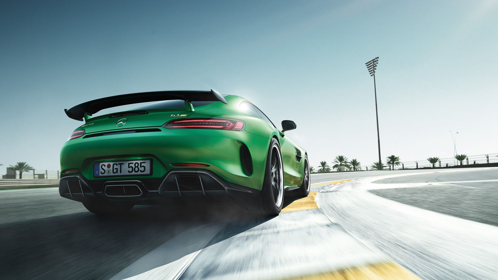 CAR-Avenue-Mercedes-AMG-GT-Coupe-Roadster-04
