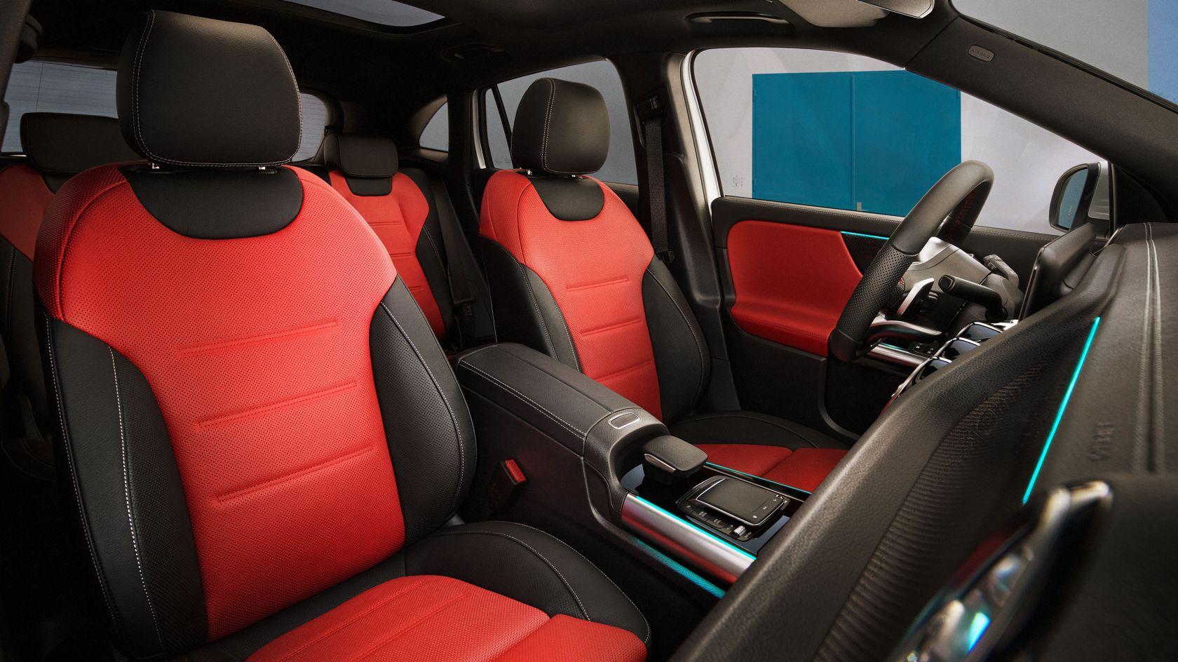 CAR-Avenue-Mercedes-Benz-GLA-SUV-03