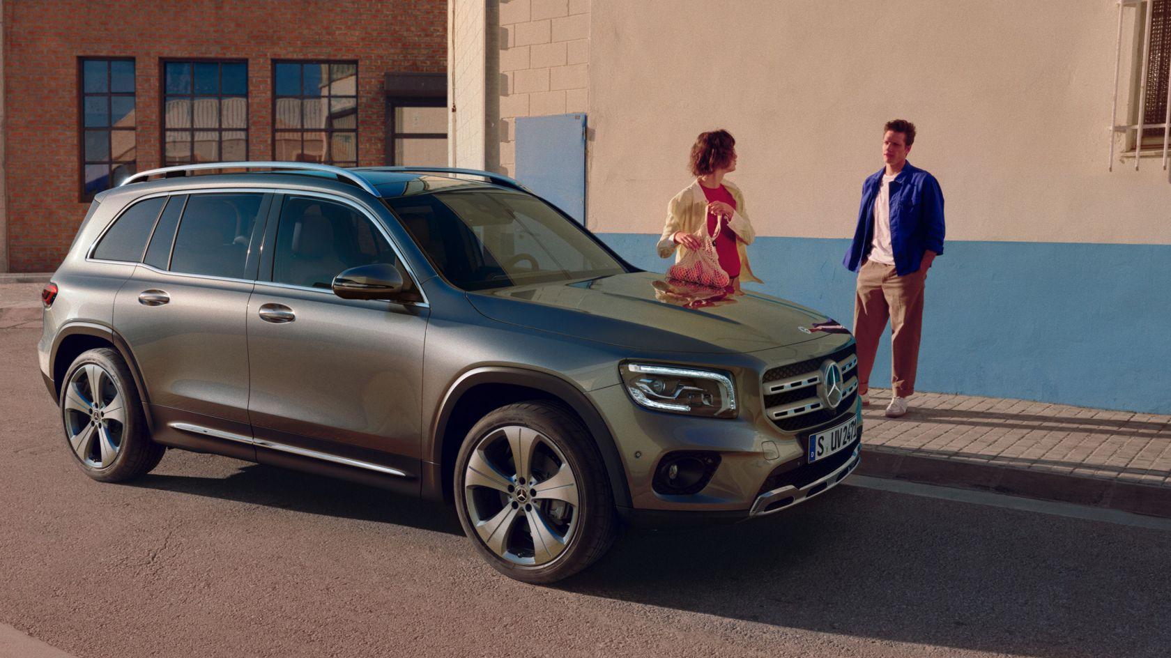 CAR-Avenue-Mercedes-Benz-GLB-SUV-02