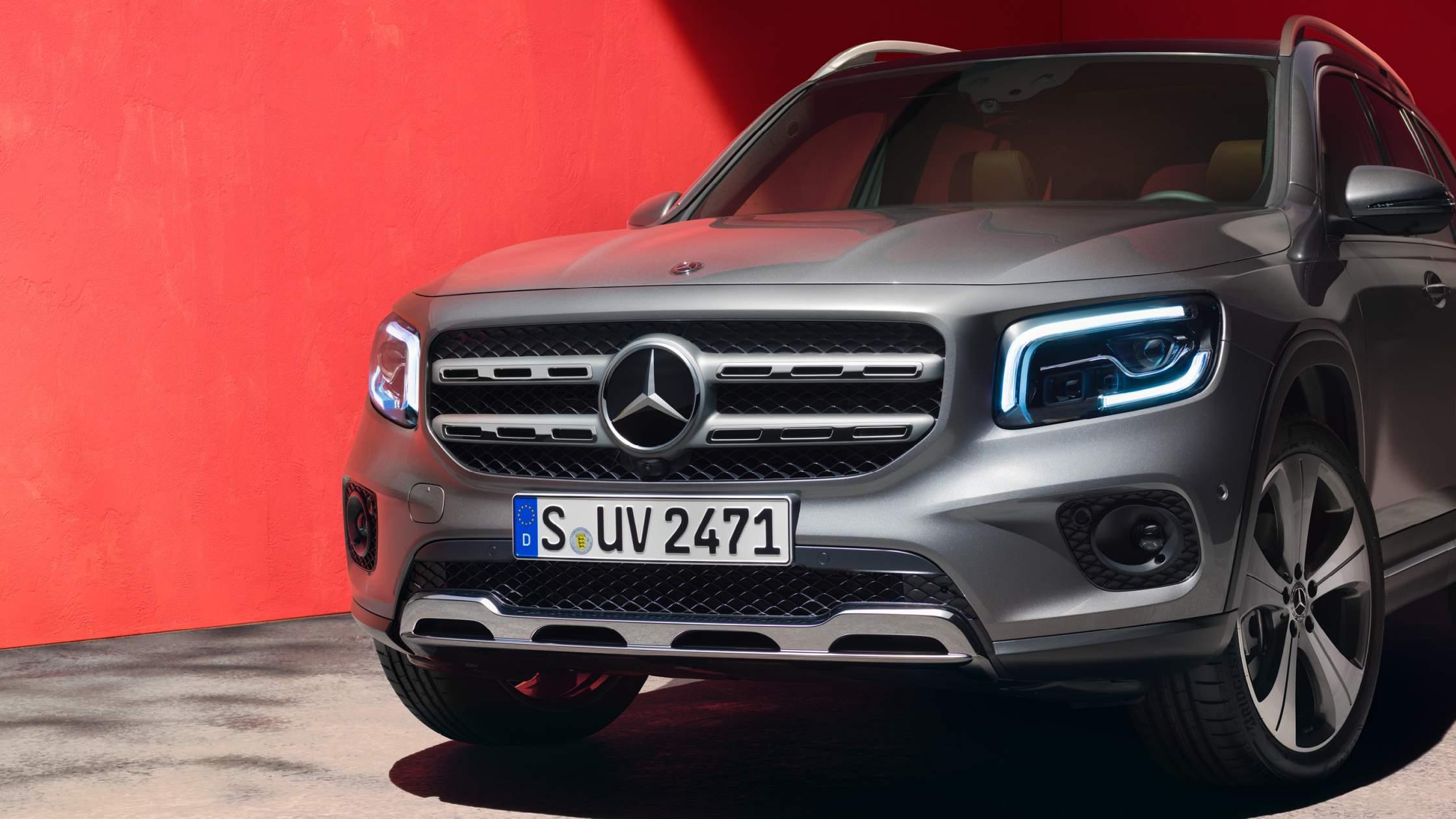 CAR-Avenue-Mercedes-Benz-GLB-SUV-05
