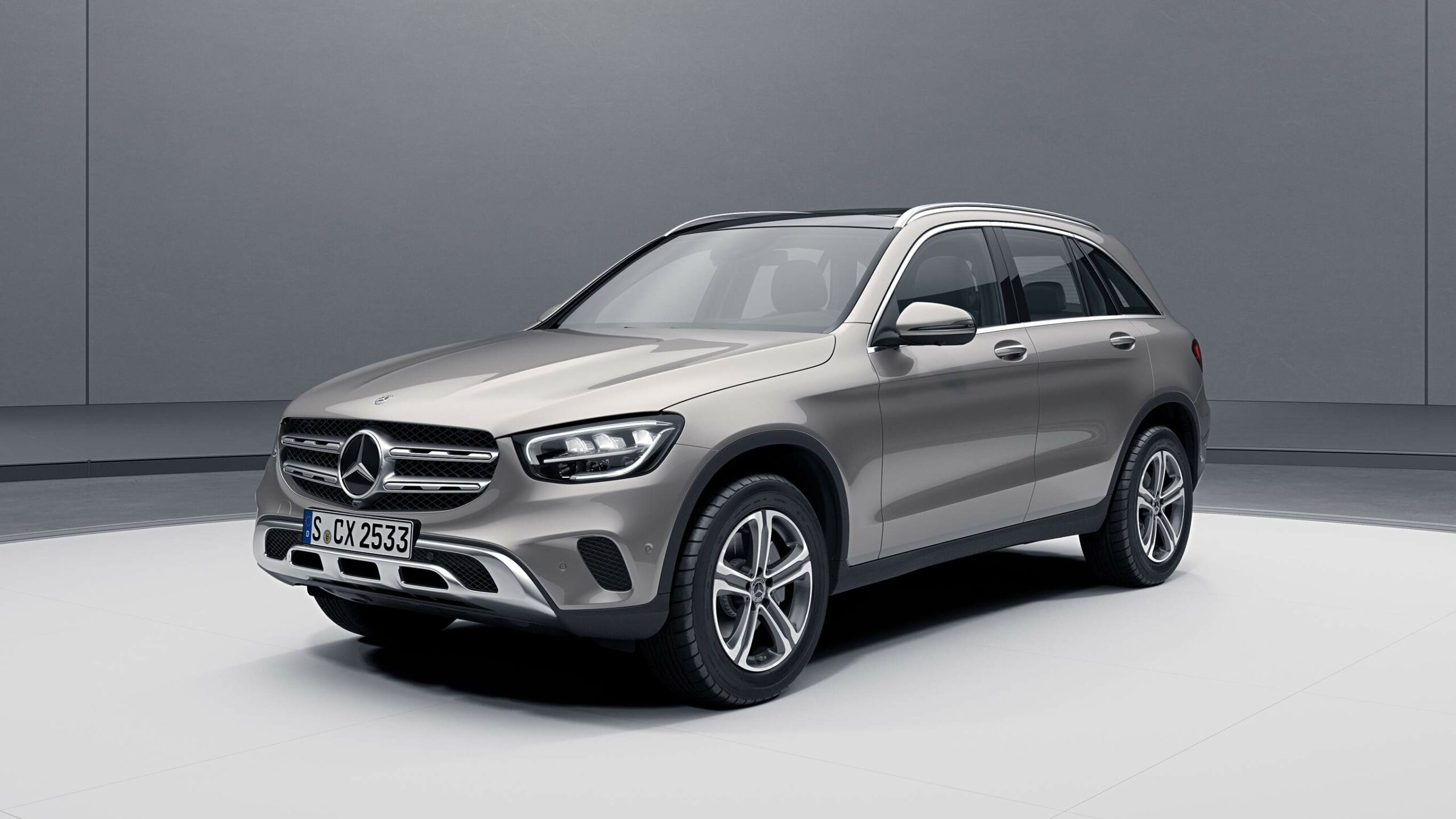 CAR-Avenue-Mercedes-Benz-GLC-SUV-01