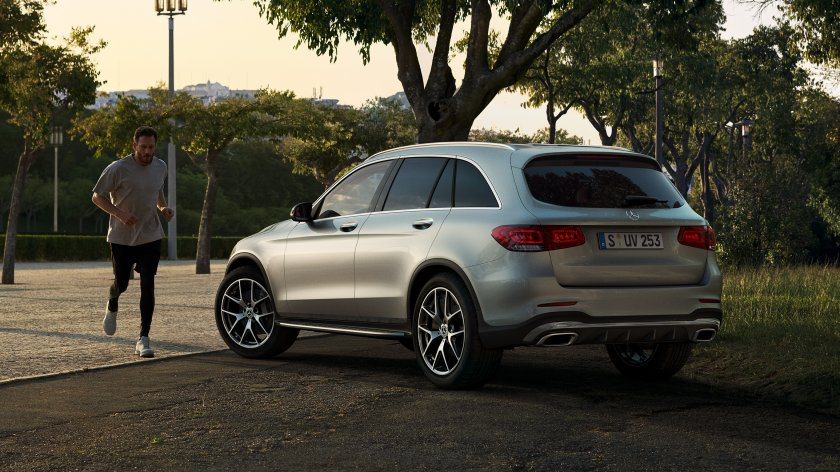 CAR-Avenue-Mercedes-Benz-GLC-SUV-03