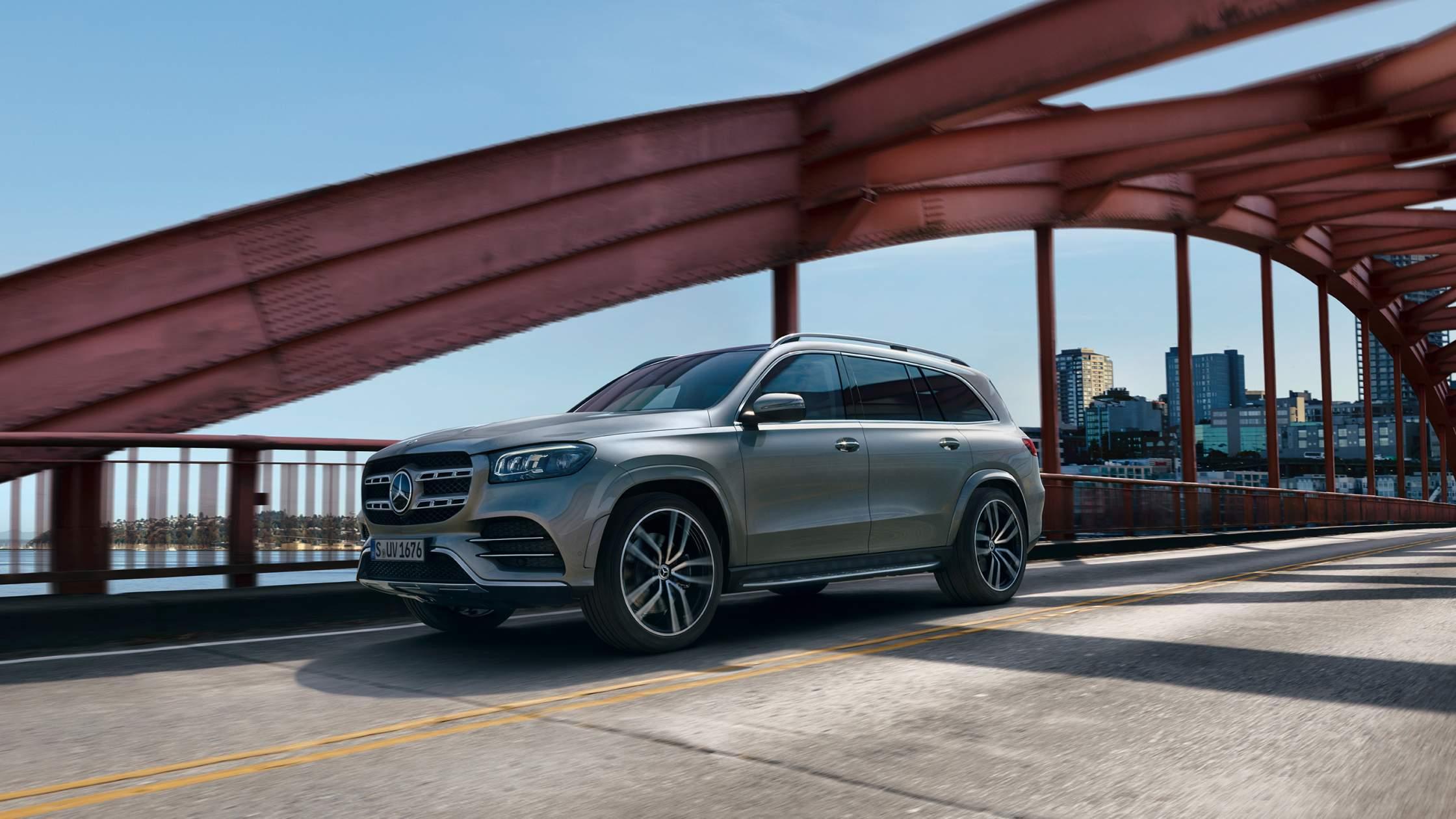 CAR-Avenue-Mercedes-Benz-GLS-SUV-01