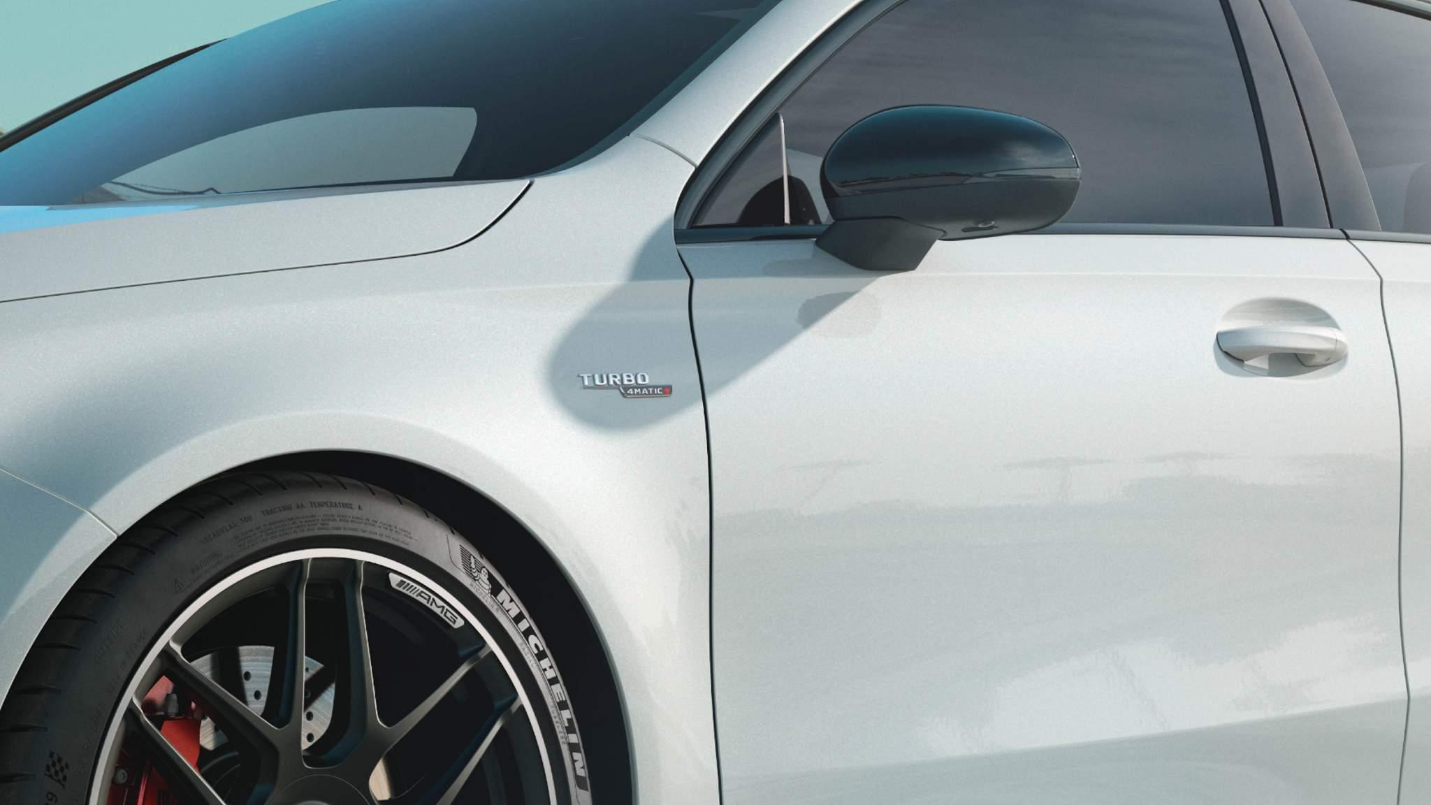 CAR-Avenue-Mercedes-Classe-A-AMG-03