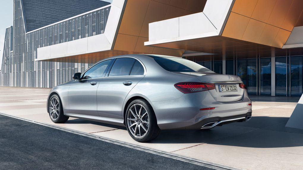 CAR-Avenue-Mercedes-Classe-E-Berline-01