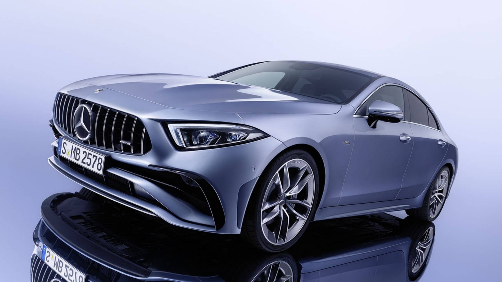 Mercedes-Benz-CLS-coupe-Car-Avenue-Stock-04